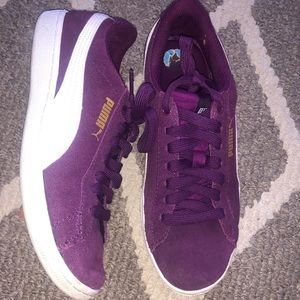 PUMA sneakers size 6.5